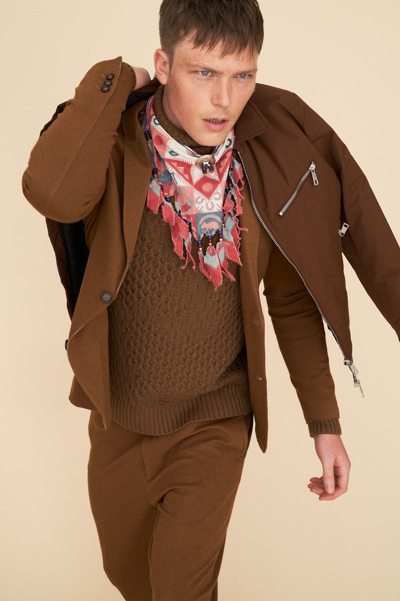 Editorial on Man in Town  - Pic. 7