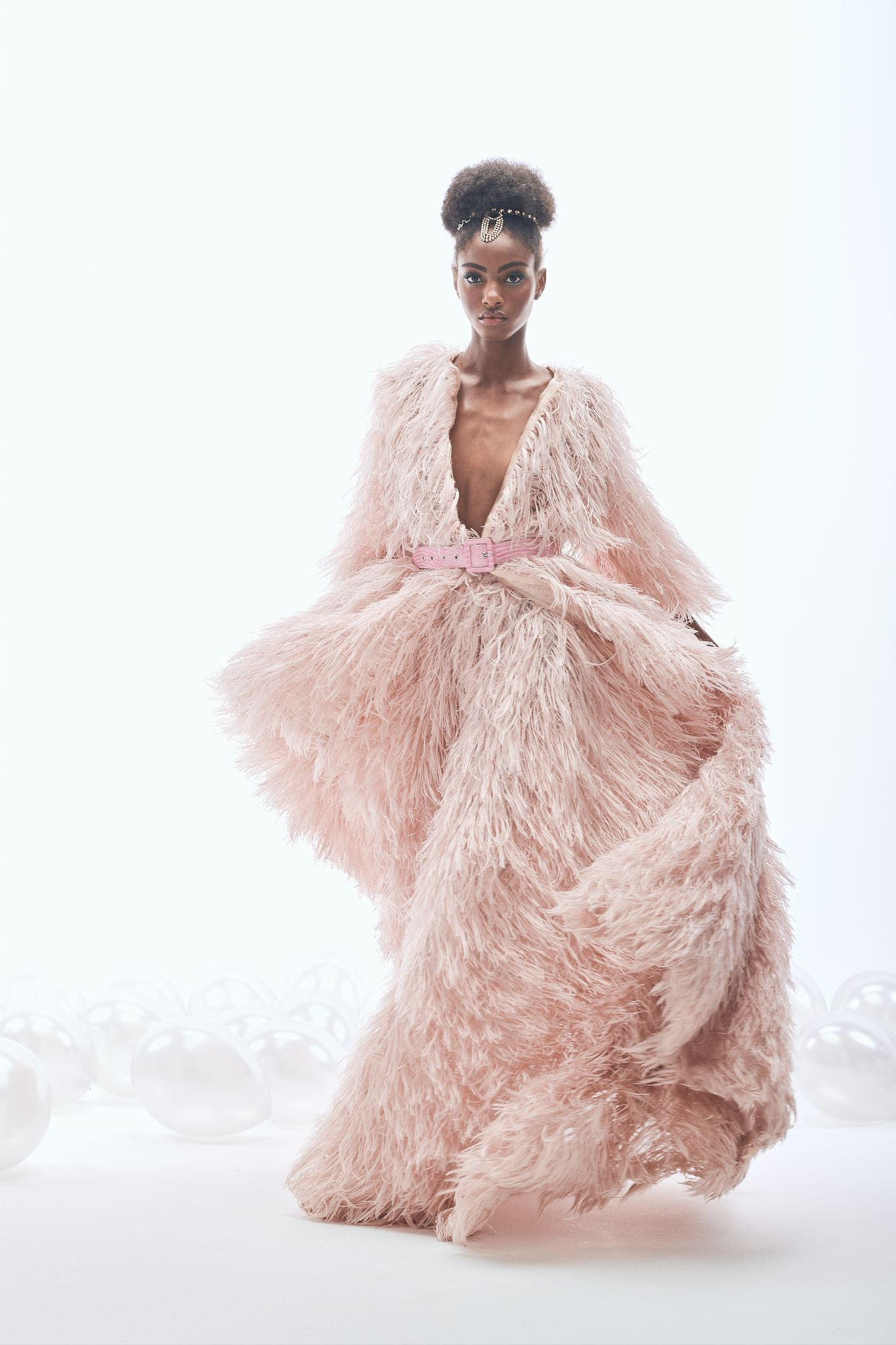 Editorial -Dreaming of couture-  Lucys Magazine  - Pic. 11